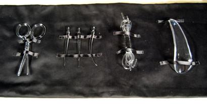Scissors-Needles-Laces-Shoe-Horn-1.jpg